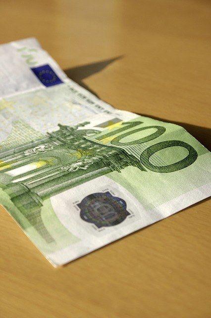 Lainaa nopeasti laatutakuulla 100-50.000€ helpolla hakemuksella ja pitkän pitkällä maksuajalla.